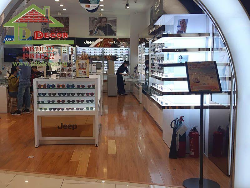 Thiết kế cửa hàng mắt kính anh Danh quận 6