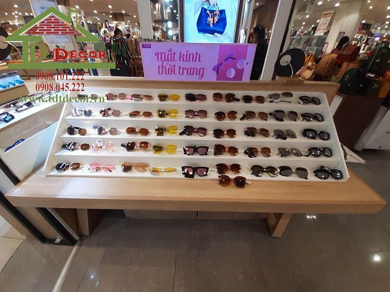 Thiết kế cửa hàng mắt kính anh Phú siêu thị aeon