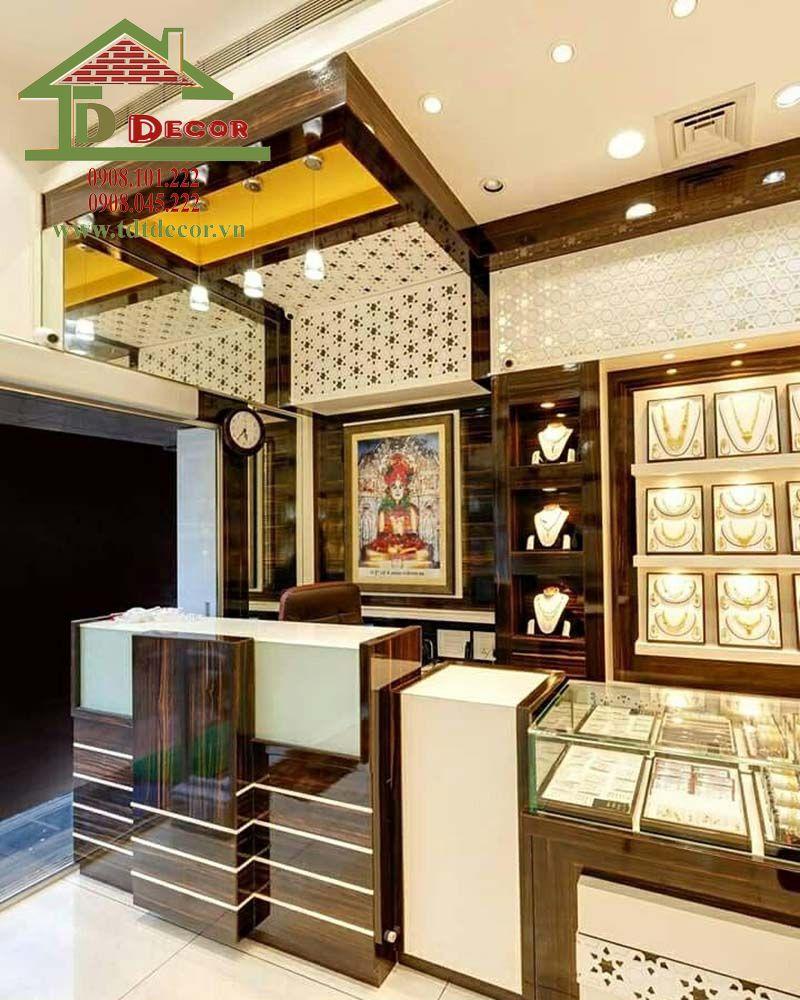 Thiết kế cửa hàng đồng hồ chị Bích Bình Tân