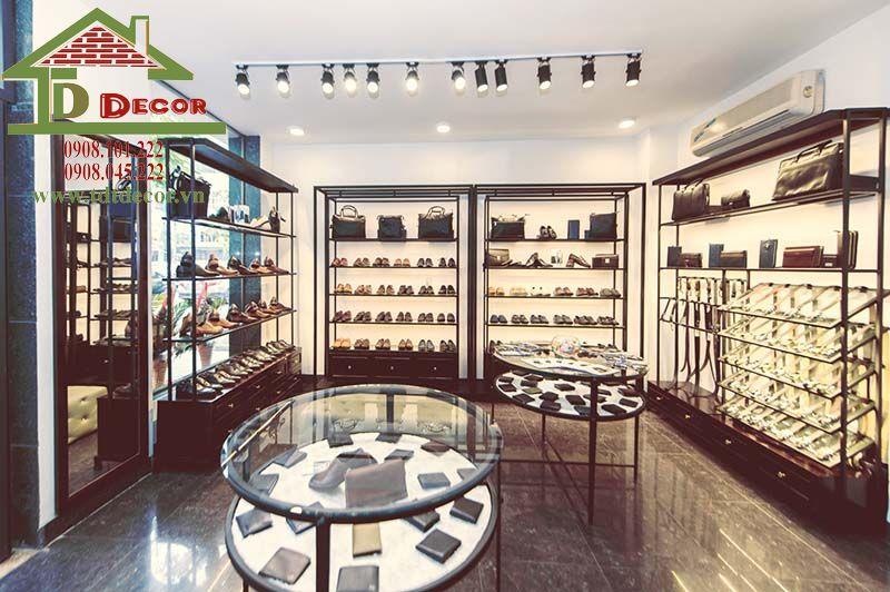 Thiết kế thi công shop giày dép anh Triển Quận 4