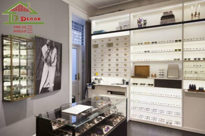 Thiết kế cửa hàng mắt kính anh Phú quận 3