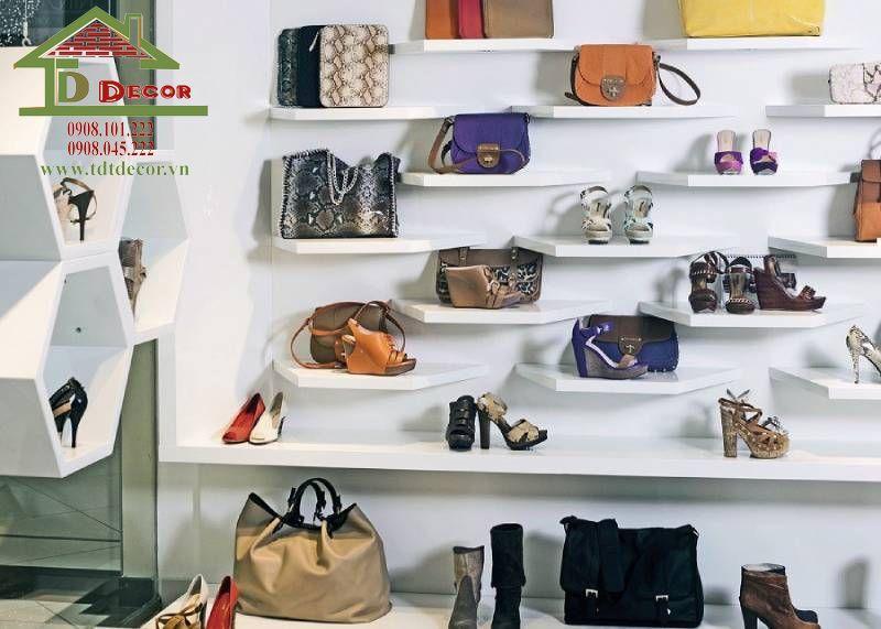 Thiết kế showroom túi xách chị Cầm quận 11
