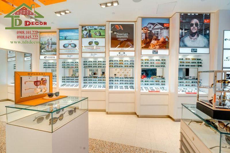 tủ trưng bày kính mắt
